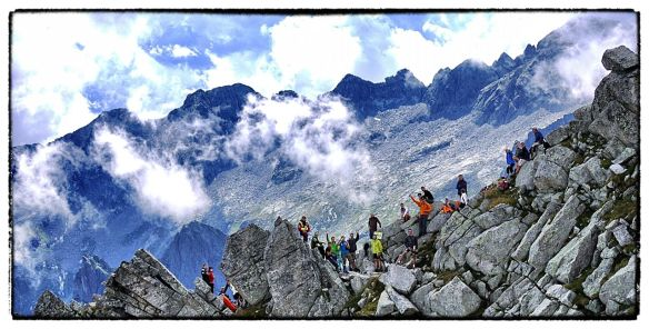 Crowds supporting at a Skyrunning event copyright Ian Corless