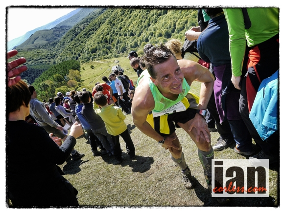 The crowds and the passion, Zegama 2013 copyright Ian Corless