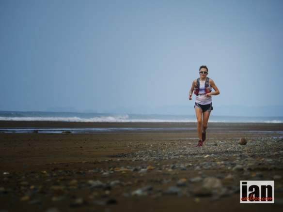 Jo Meek just before the finish TCC2014 ©iancorless.com