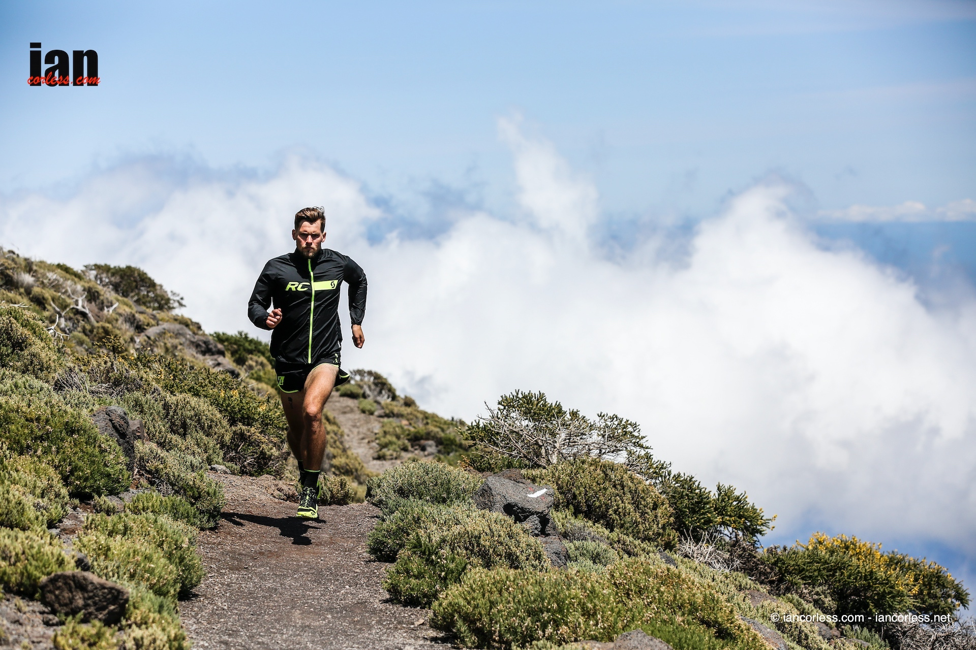 scott_running_rc_shoot_lapalma_iancorless253